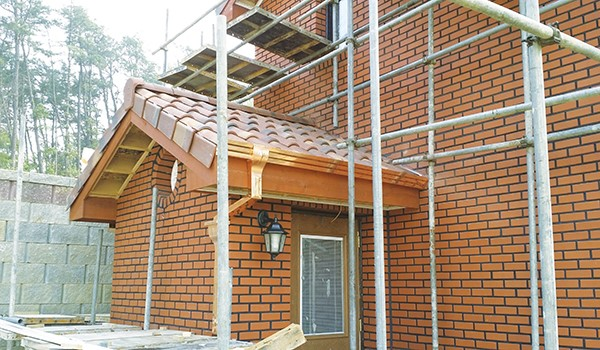 목조주택 외부에 벽돌 쌓는 방법 이미지 14