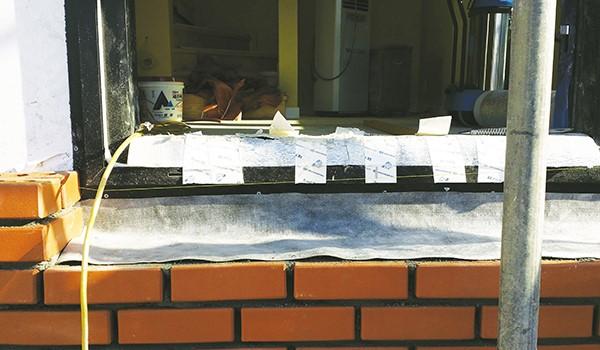 목조주택 외부에 벽돌 쌓는 방법 이미지 5
