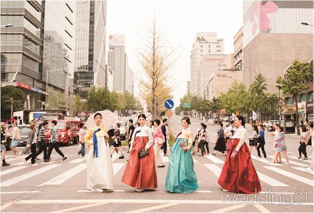 10월의 어느 날, 한복의 아름다움을 널리 알리다 이미지 1